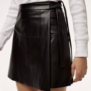 Aritzia Wilfred Spurlock Skirt